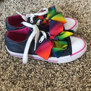 Jojo Siwa low top denim shoes with bow